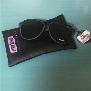 Quay Black/Smoke Polarized Magnetic Sunglasses NWT